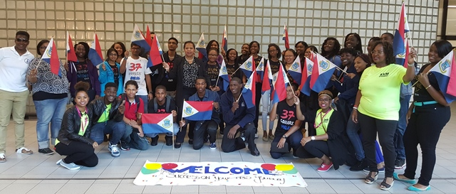 MinPLENN JFA Sxm students arrive in the NED