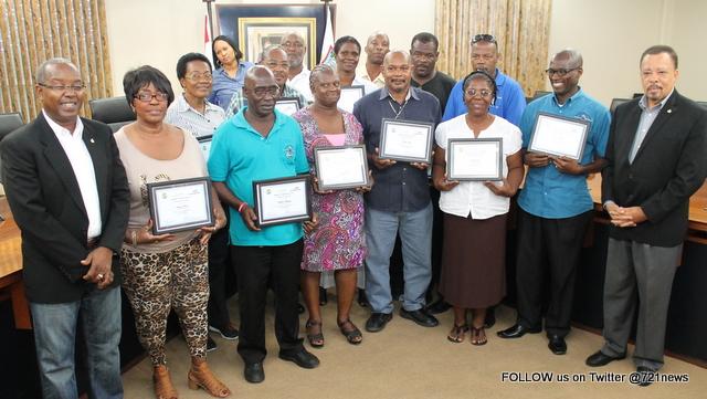 MinTEATT Taxi drivers receive certificates-001