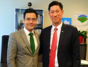 (from left to right): Aruba's Minister of Health Alex Schwengle, and Minister of VSA Emil Lee.